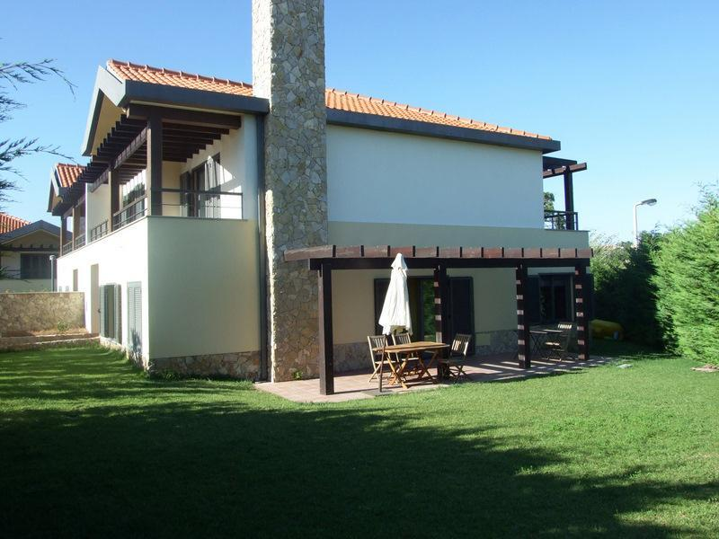 Casa Unifamiliar por un Venta en House, 4 bedrooms, for Sale Cascais, Lisboa 2645-475 Portugal