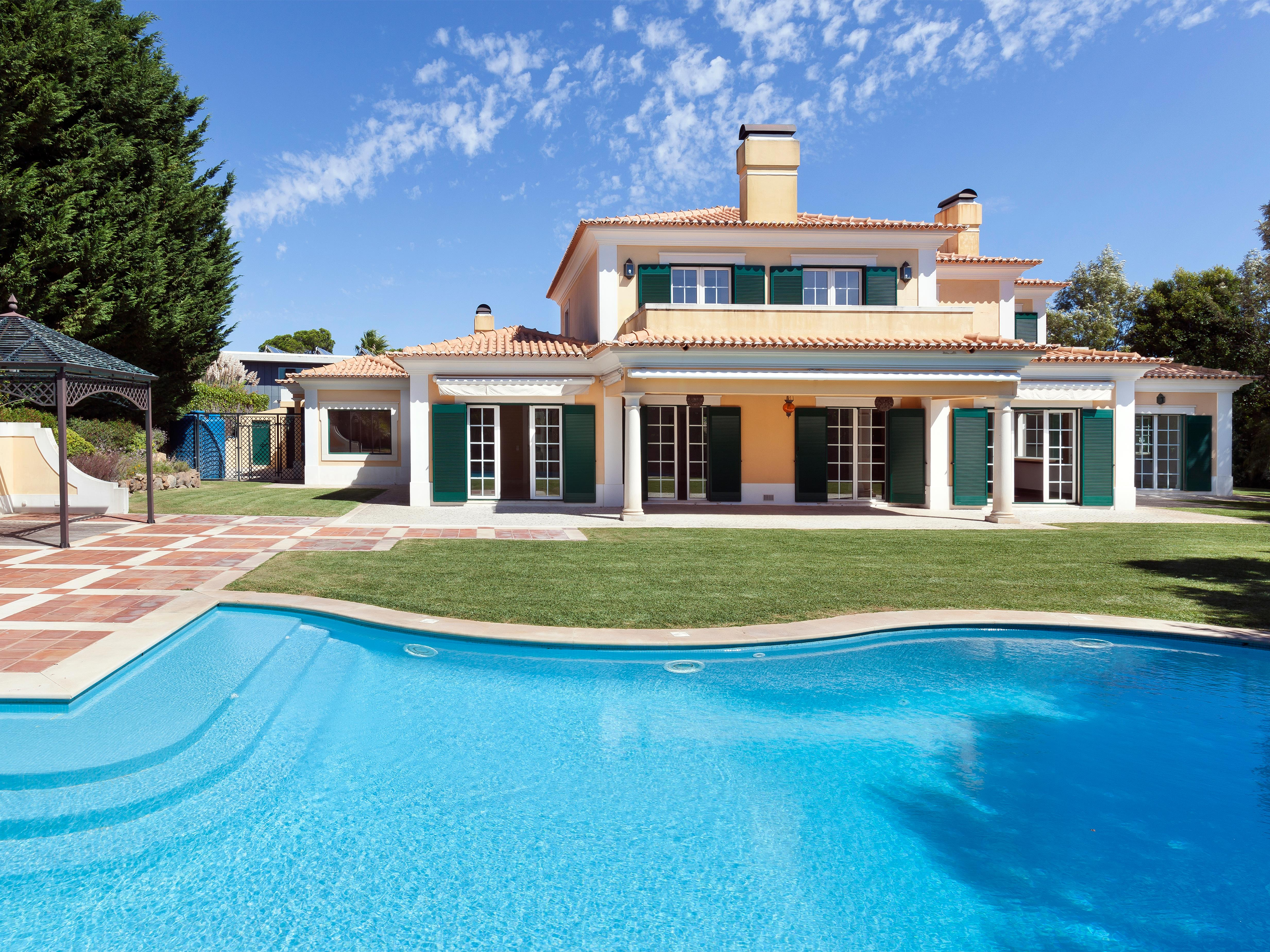 Single Family Home for Sale at Detached house, 5 bedrooms, for Sale Cascais, Lisboa, Portugal