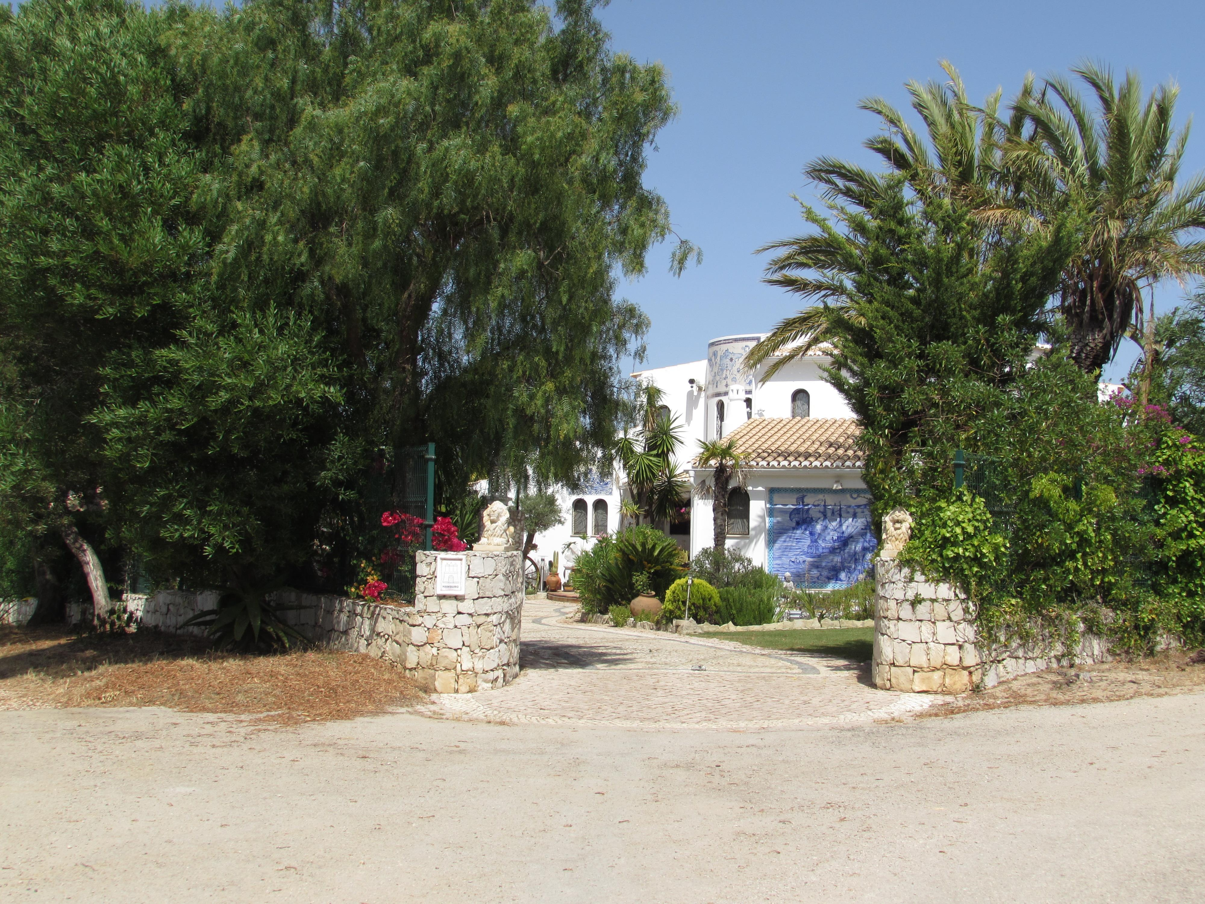 Single Family Home for Sale at Detached house, 3 bedrooms, for Sale Other Portugal, Other Areas In Portugal, 8400-301 Portugal