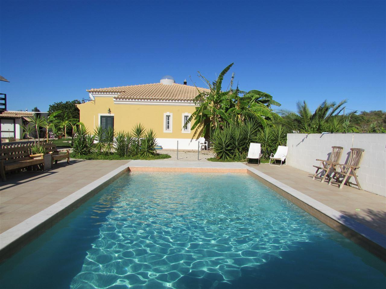 Maison unifamiliale pour l Vente à Detached house, 4 bedrooms, for Sale Silves, Algarve Portugal