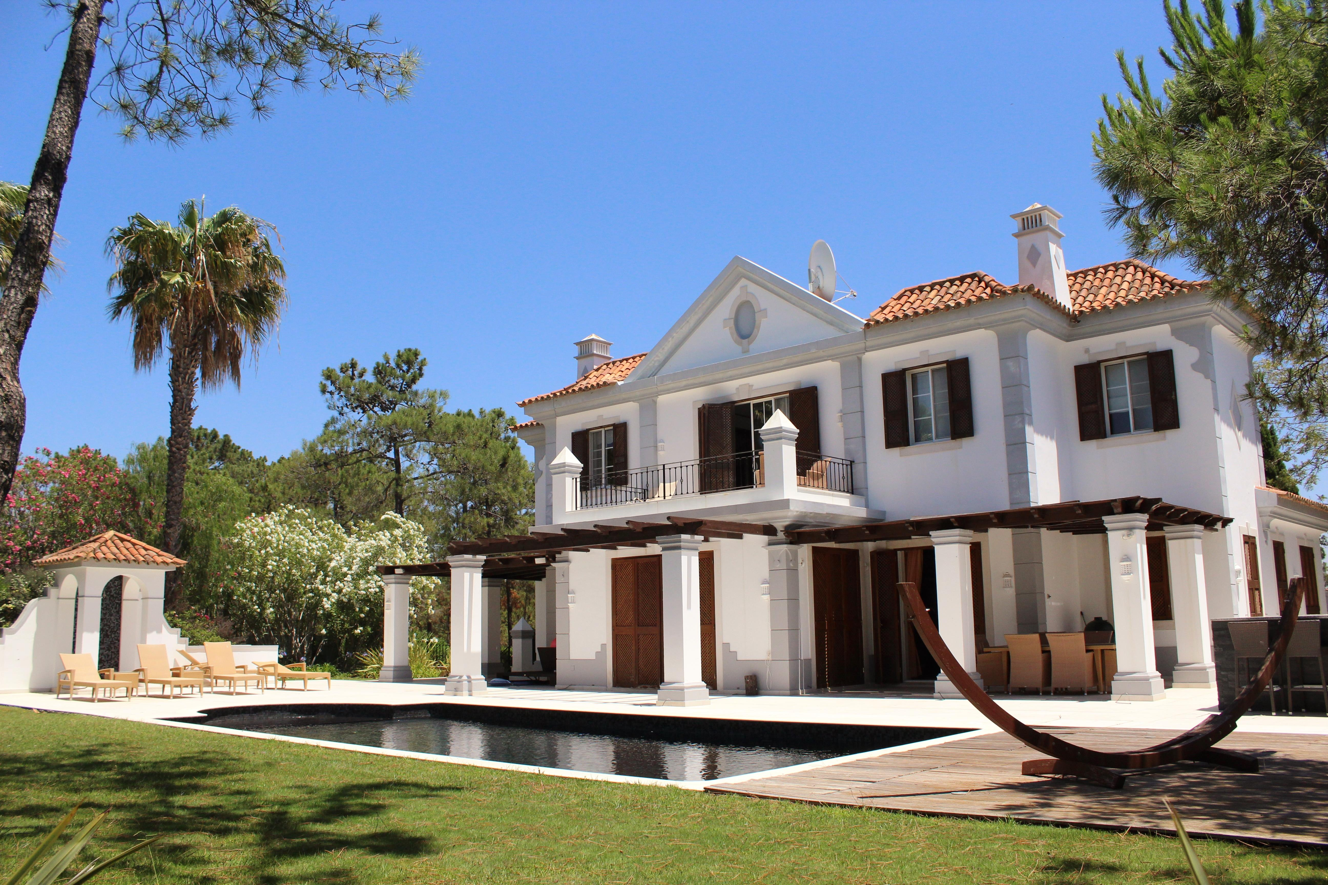 Maison unifamiliale pour l Vente à Detached house, 5 bedrooms, for Sale Loule, Algarve, 8135-106 Portugal