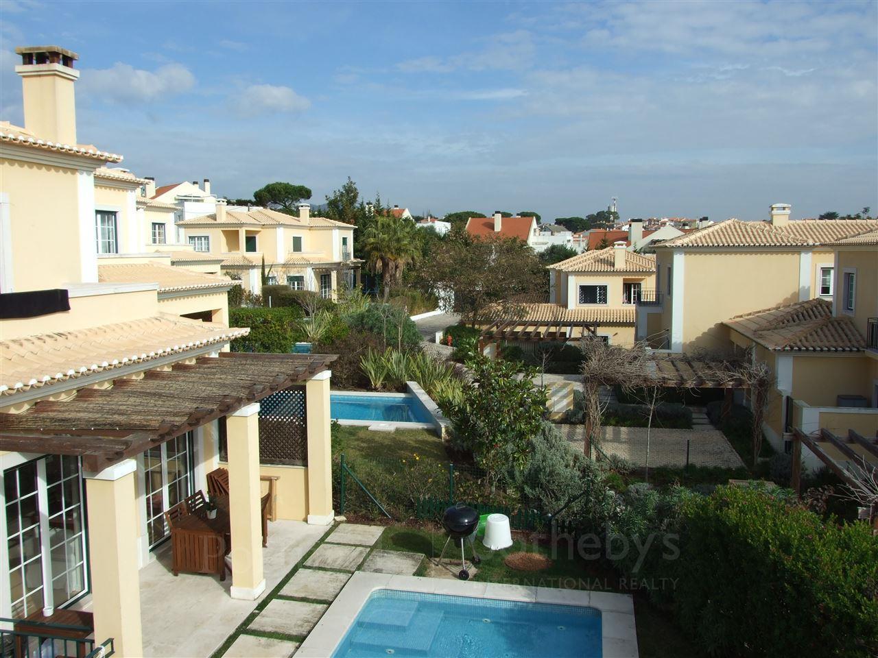 Casa Unifamiliar por un Venta en House, 4 bedrooms, for Sale Bicesse, Cascais, Lisboa Portugal