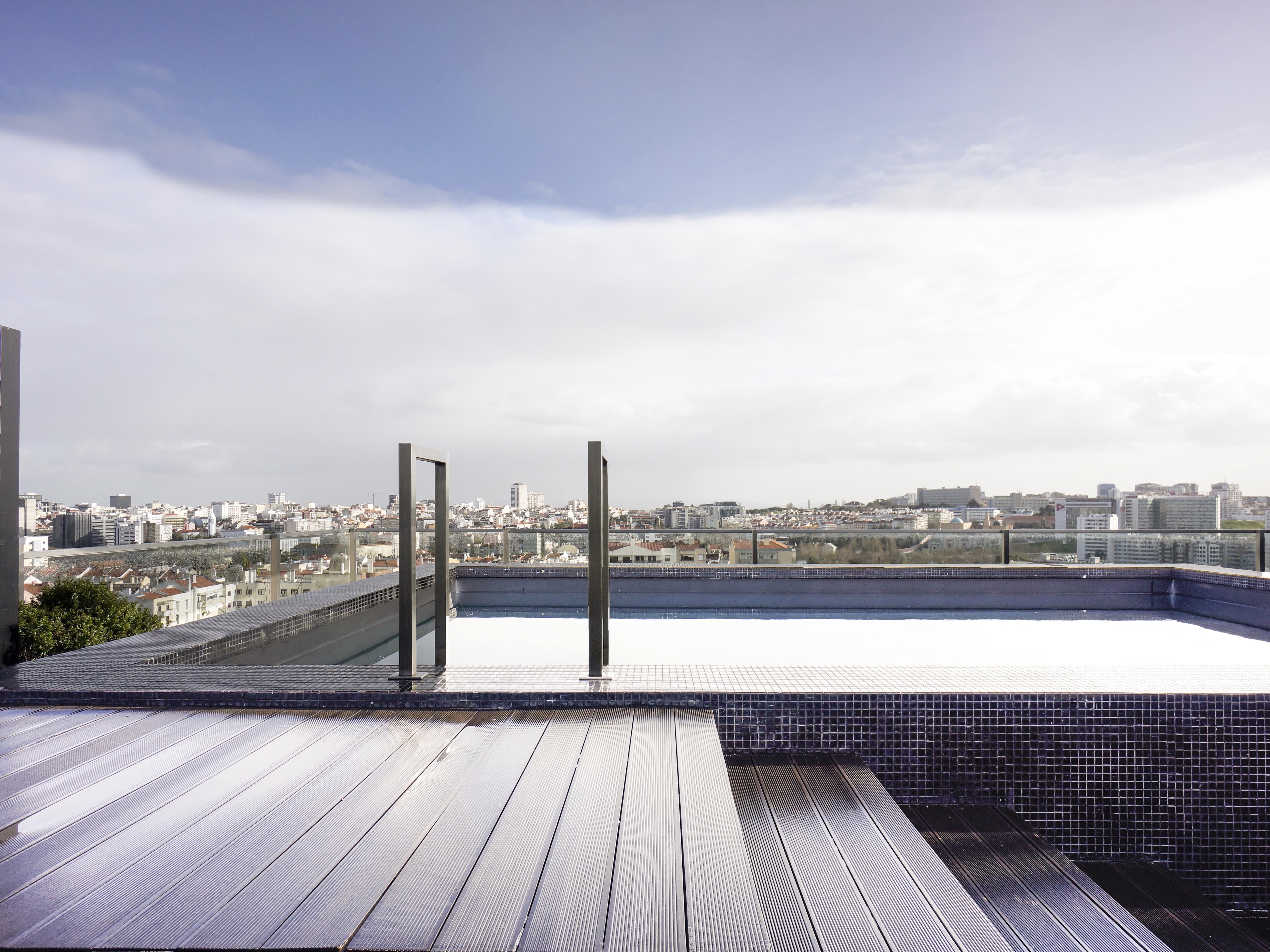 Apartamento por un Venta en Flat, 4 bedrooms, for Sale Lisboa, Lisboa, 1600-196 Portugal