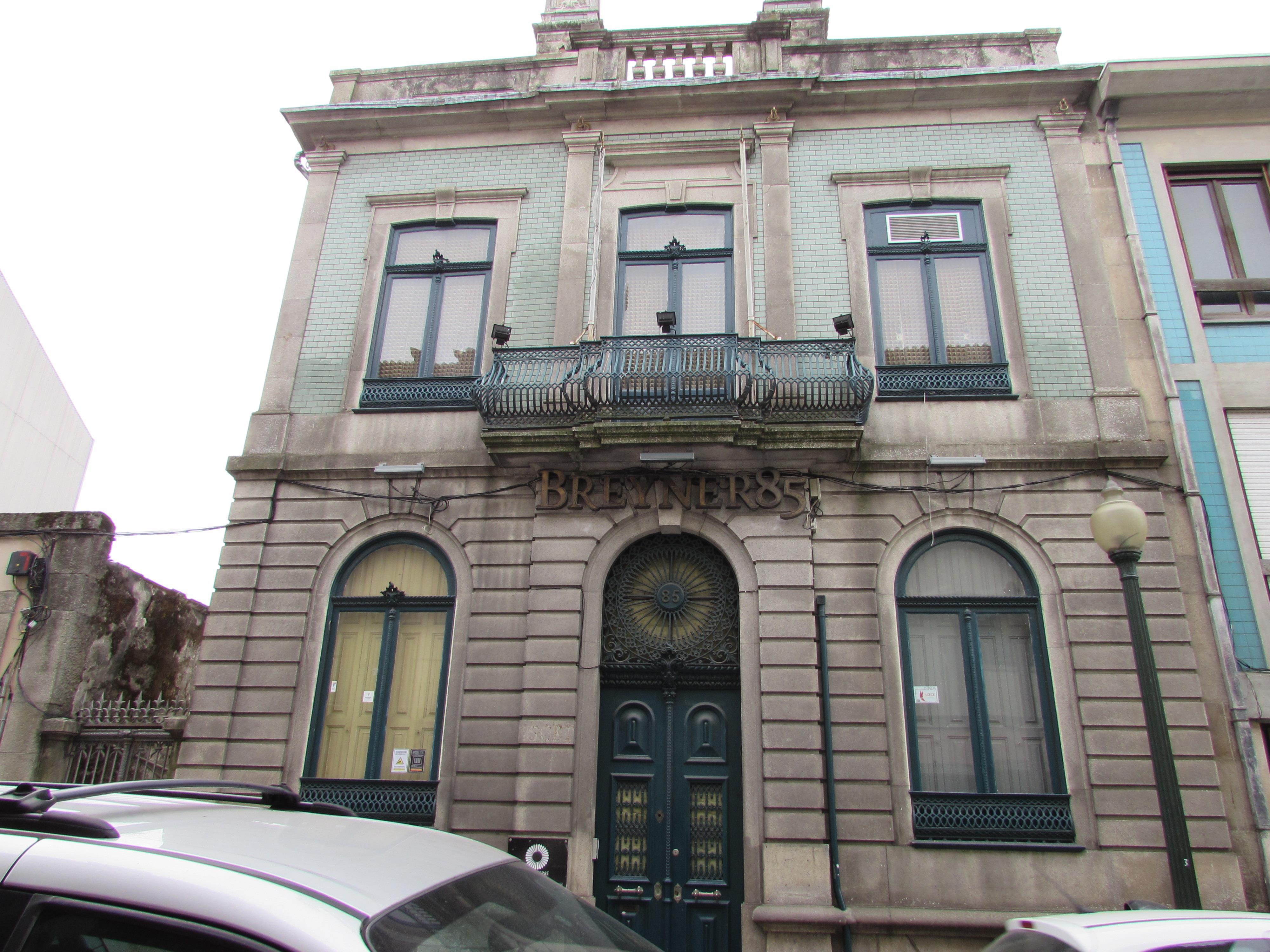 Vivienda multifamiliar por un Venta en Building for Sale Porto, Porto 4050-109 Portugal