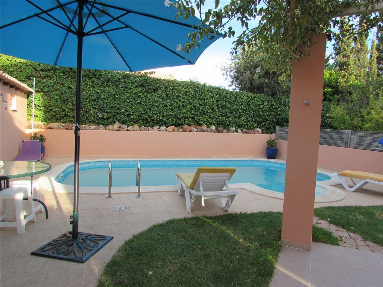 Maison unifamiliale pour l Vente à Semi-detached house, 4 bedrooms, for Sale Silves, Algarve Portugal