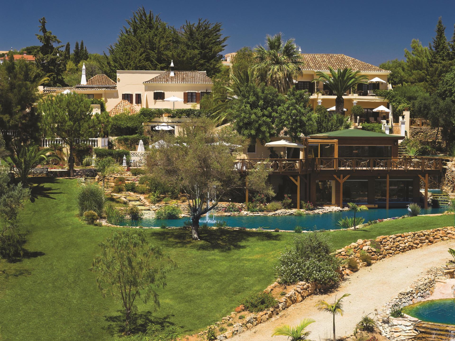 一戸建て のために 売買 アット Country house, 12 bedrooms, for Sale Faro, Algarve ポルトガル