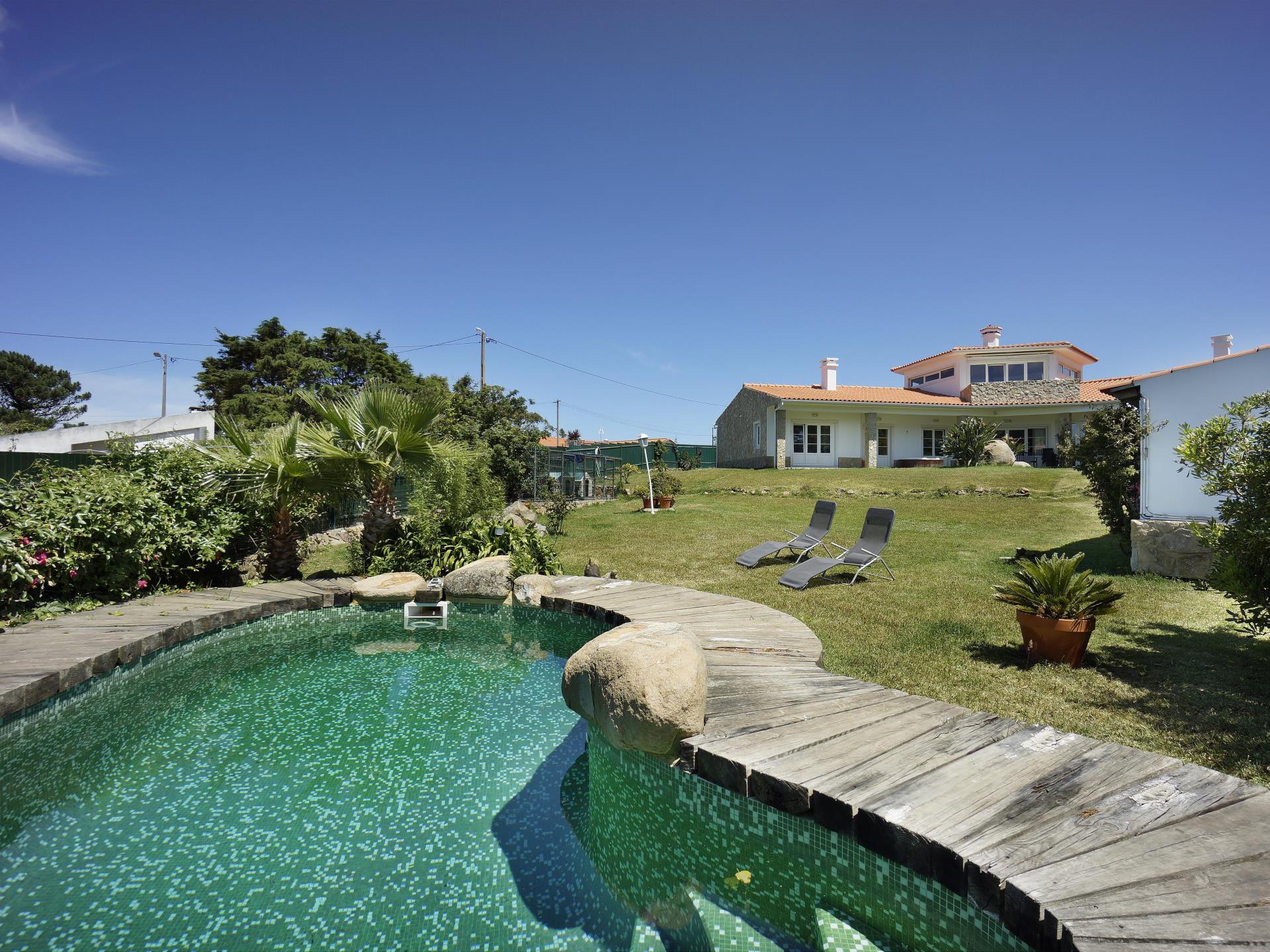 Nhà ở một gia đình vì Bán tại House, 6 bedrooms, for Sale Colares, Sintra, Lisboa Bồ Đào Nha
