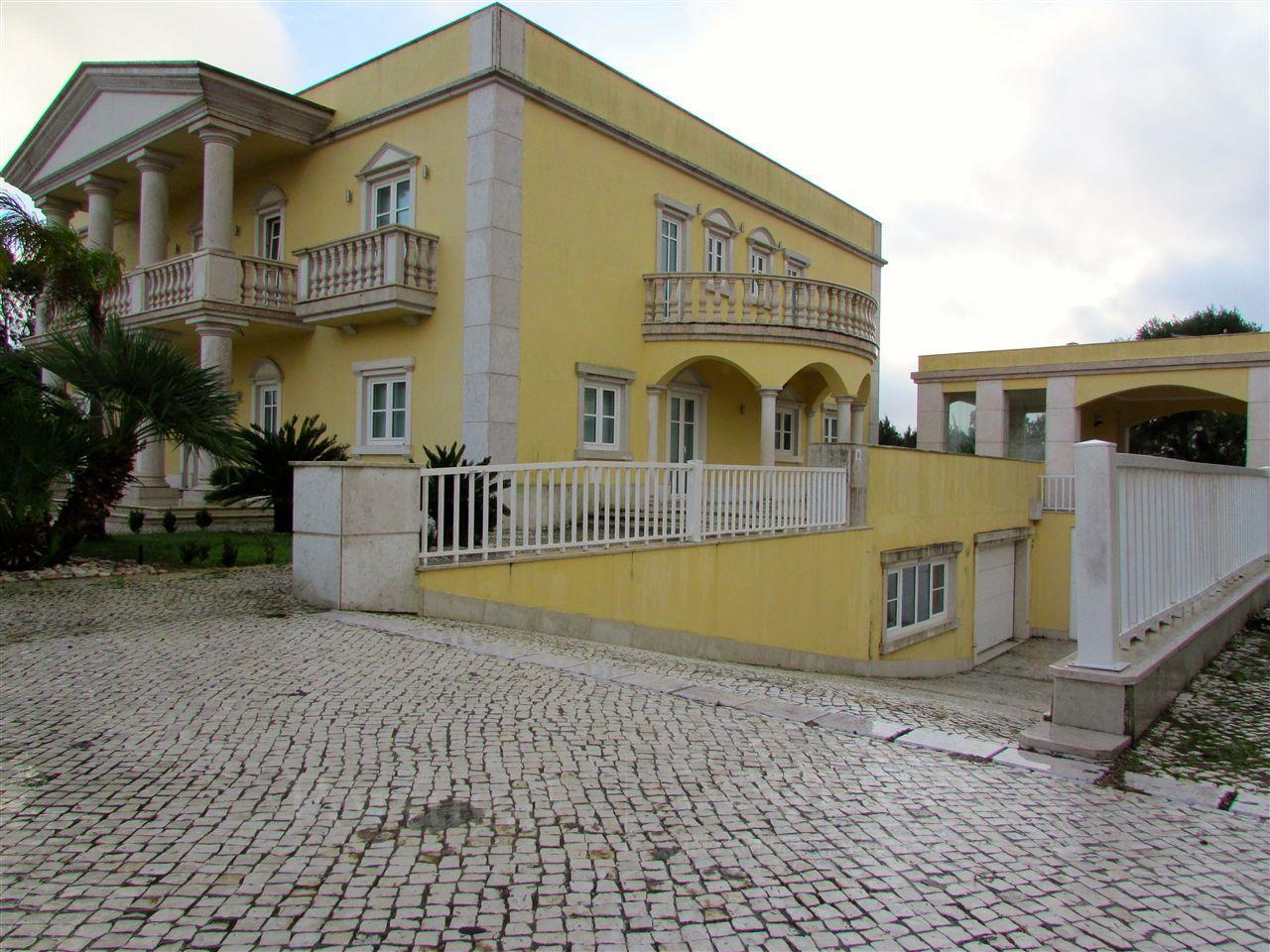 Tek Ailelik Ev için Satış at House, 5 bedrooms, for Sale Beloura, Sintra, Lisboa Portekiz