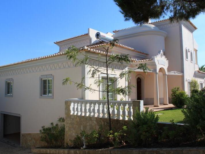 Nhà ở một gia đình vì Bán tại House, 5 bedrooms, for Sale Loule, Algarve Bồ Đào Nha