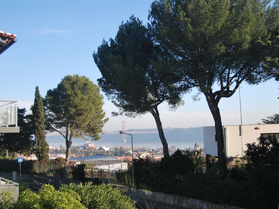 Casa para uma família para Venda às House, 7 bedrooms, for Sale Lisboa, Lisboa Portugal