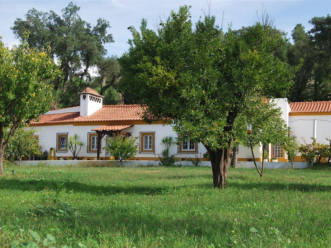 Single Family Home for Sale at House, 3 bedrooms, for Sale Other Portugal, Other Areas In Portugal Portugal