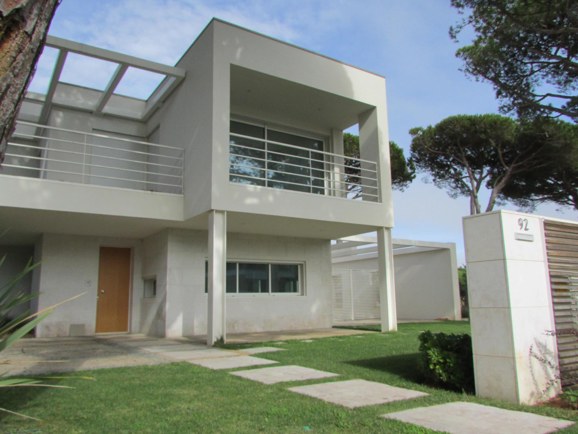 Maison unifamiliale pour l Vente à House, 2 bedrooms, for Sale Quinta Da Marinha, Cascais, Lisbonne Portugal