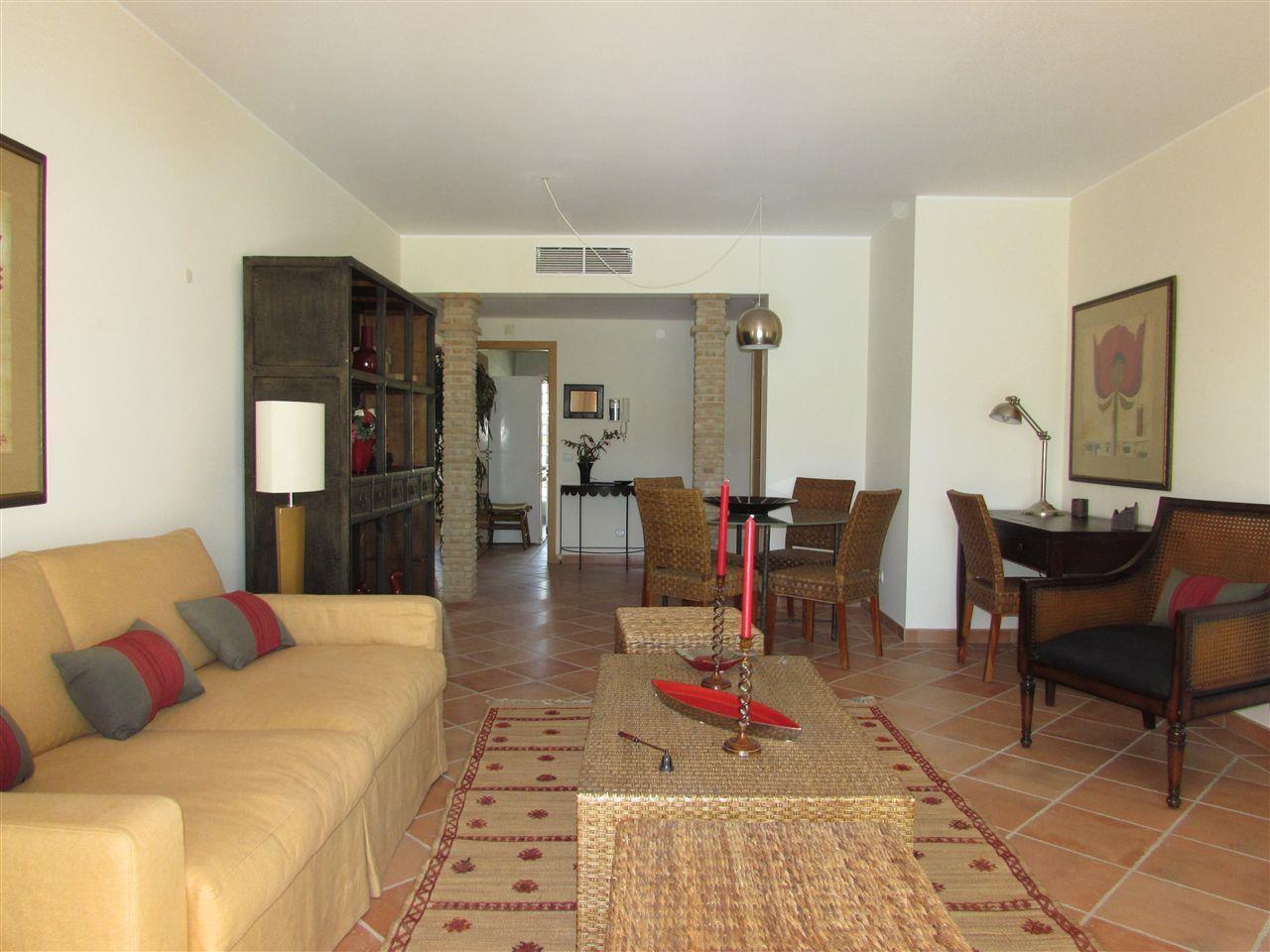 Apartamento por un Venta en Flat, 2 bedrooms, for Sale Loule, Algarve Portugal