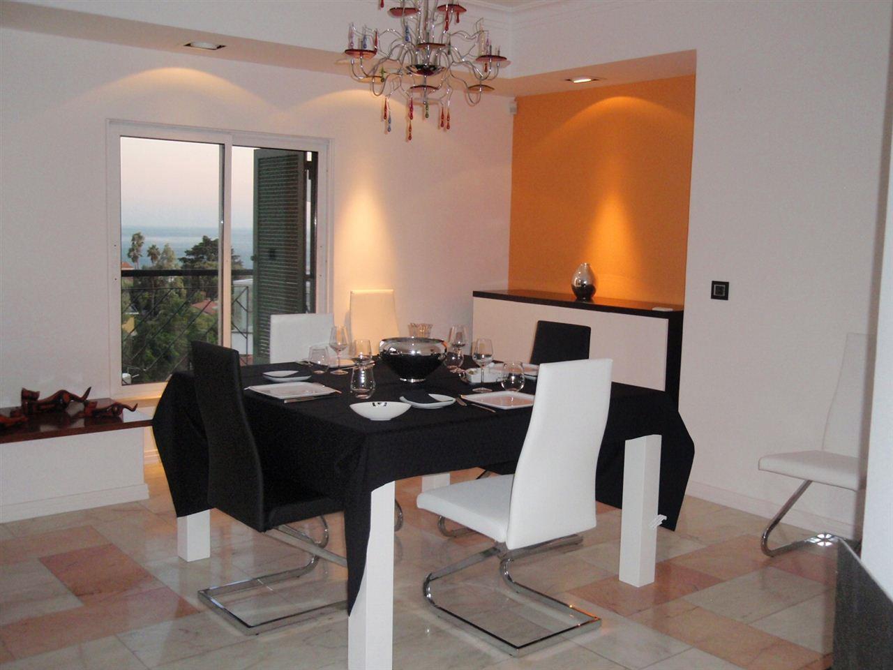 Duplex para Venda às Duplex, 4 bedrooms, for Sale Oeiras, Lisboa Portugal