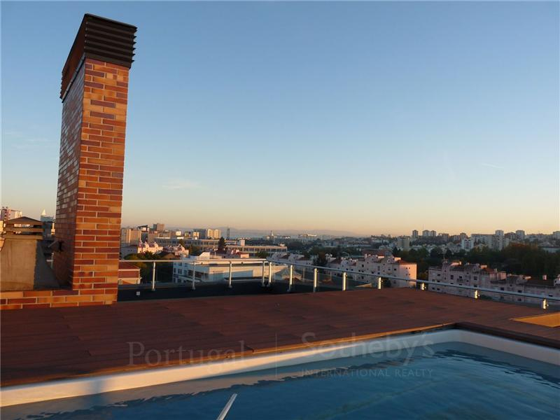 Property For Sale at Flat, 4 bedrooms, for Sale