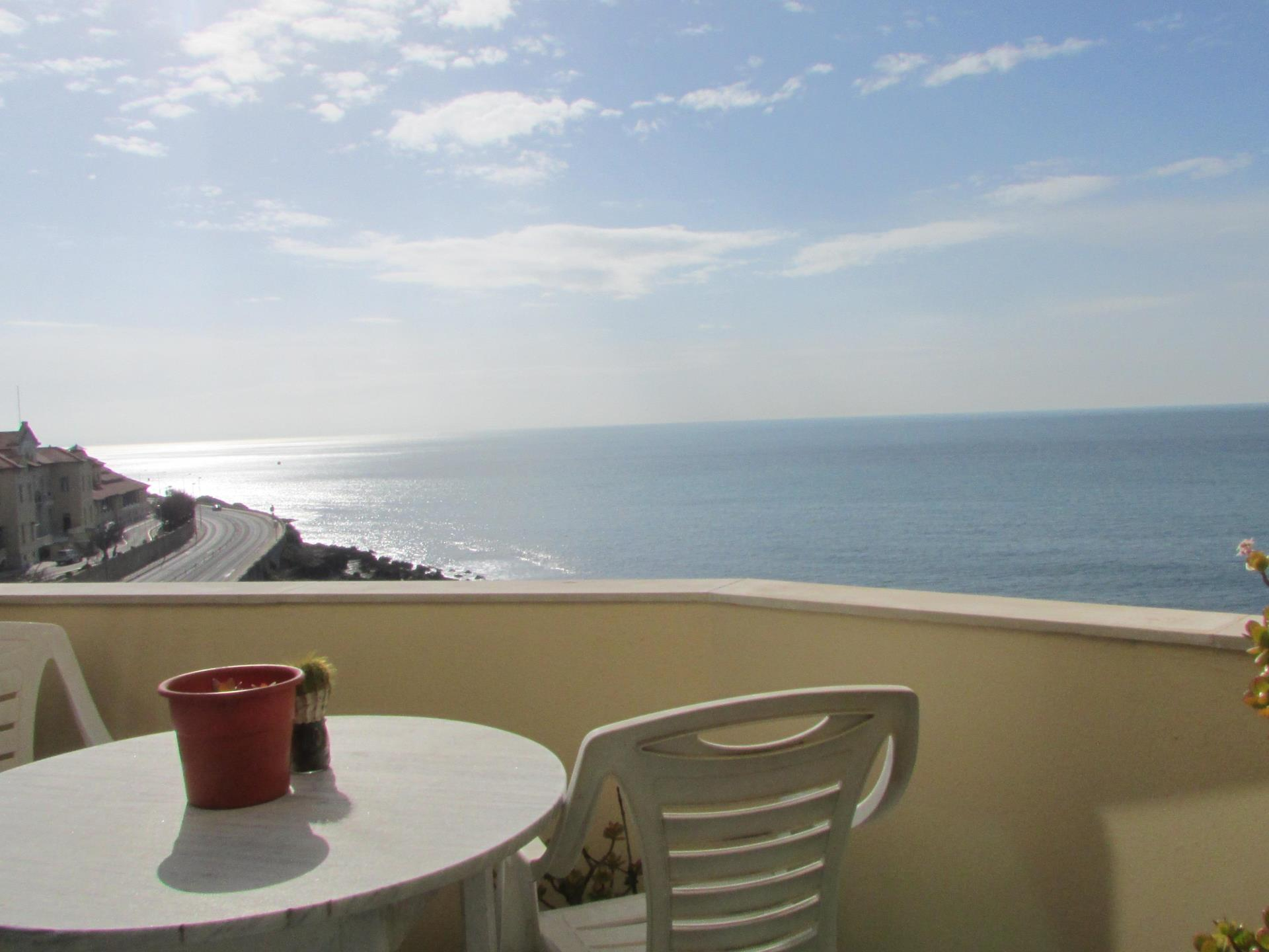 Appartement pour l Vente à Flat, 4 bedrooms, for Sale Cascais, Lisbonne Portugal