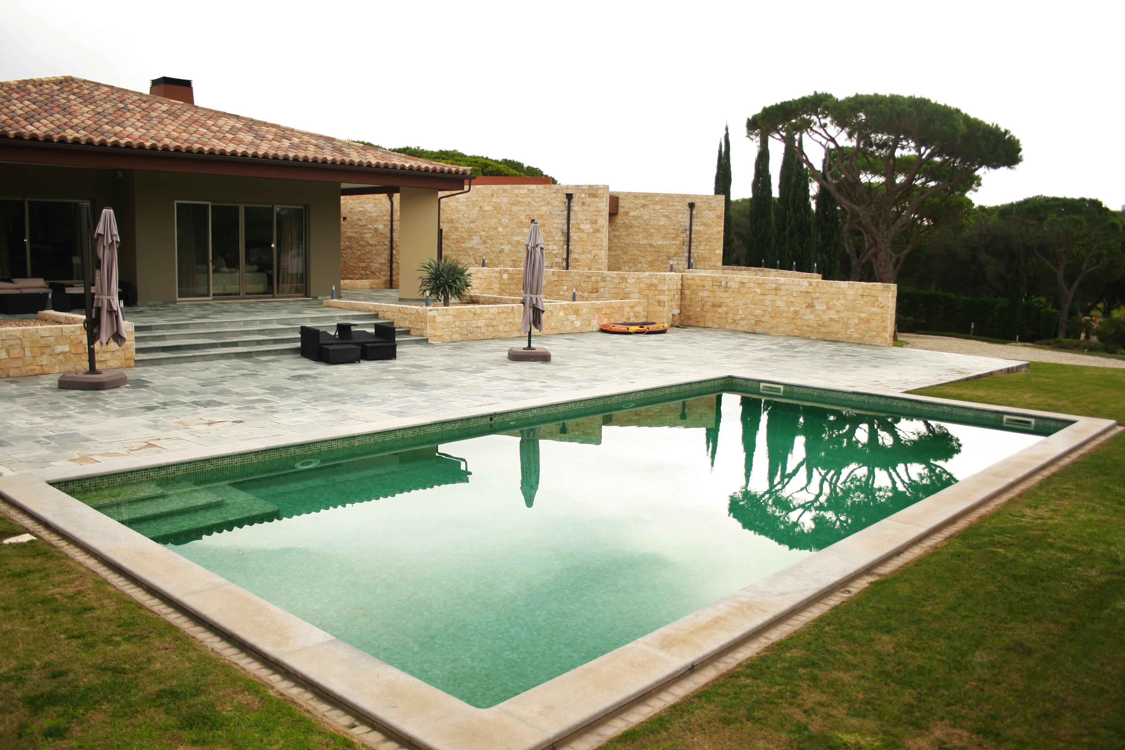 Maison unifamiliale pour l Vente à Detached house, 7 bedrooms, for Sale Loule, Algarve, 8125-406 Portugal