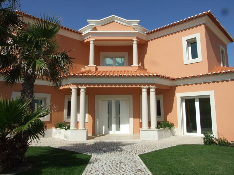 Single Family Home for Sale at House, 4 bedrooms, for Sale Other Portugal, Other Areas In Portugal 2510-451 Portugal