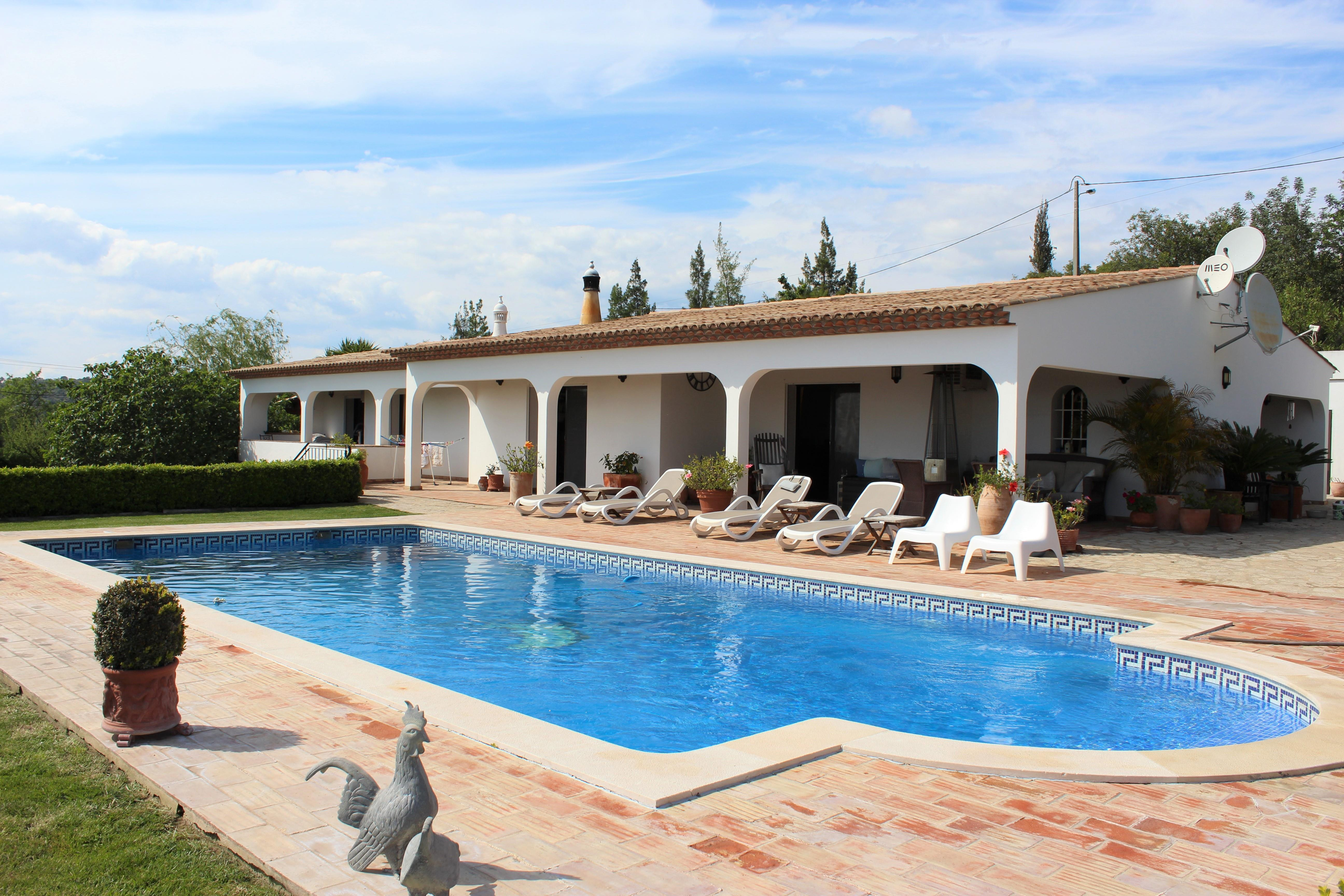 Single Family Home for Sale at Detached house, 3 bedrooms, for Sale Loule, Algarve, 8100-228 Portugal