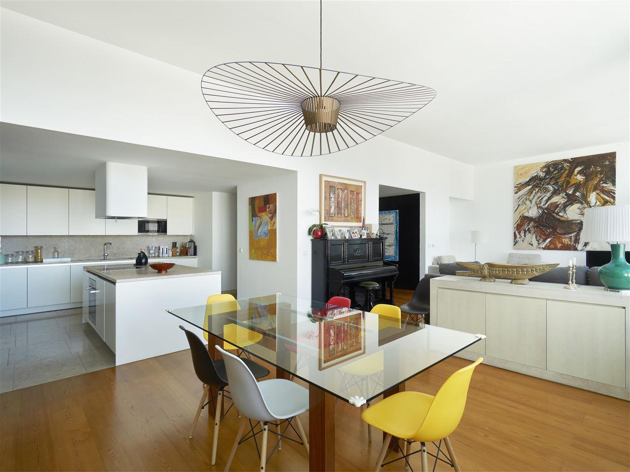 아파트 용 매매 에 Flat, 4 bedrooms, for Sale Lisboa, 리스보아, 포르투갈