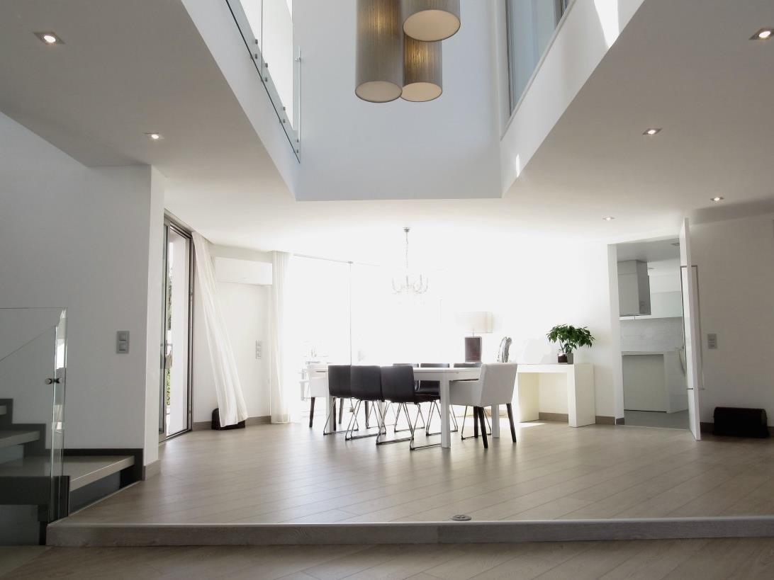 Частный односемейный дом для того Продажа на Semi-detached house, 4 bedrooms, for Sale Oeiras, Лиссабон Португалия