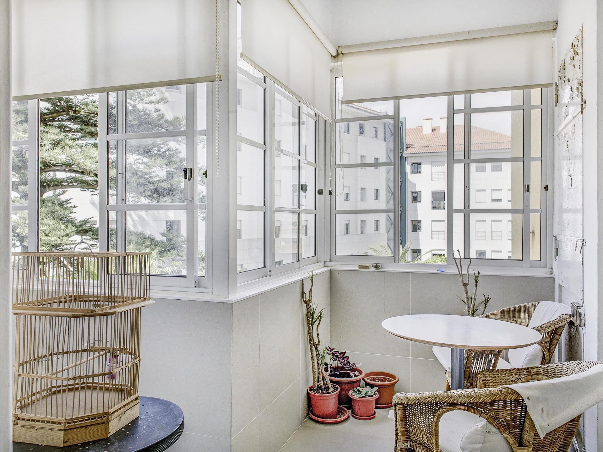 Appartement pour l Vente à Flat, 4 bedrooms, for Sale Graca, Lisboa, Lisbonne Portugal