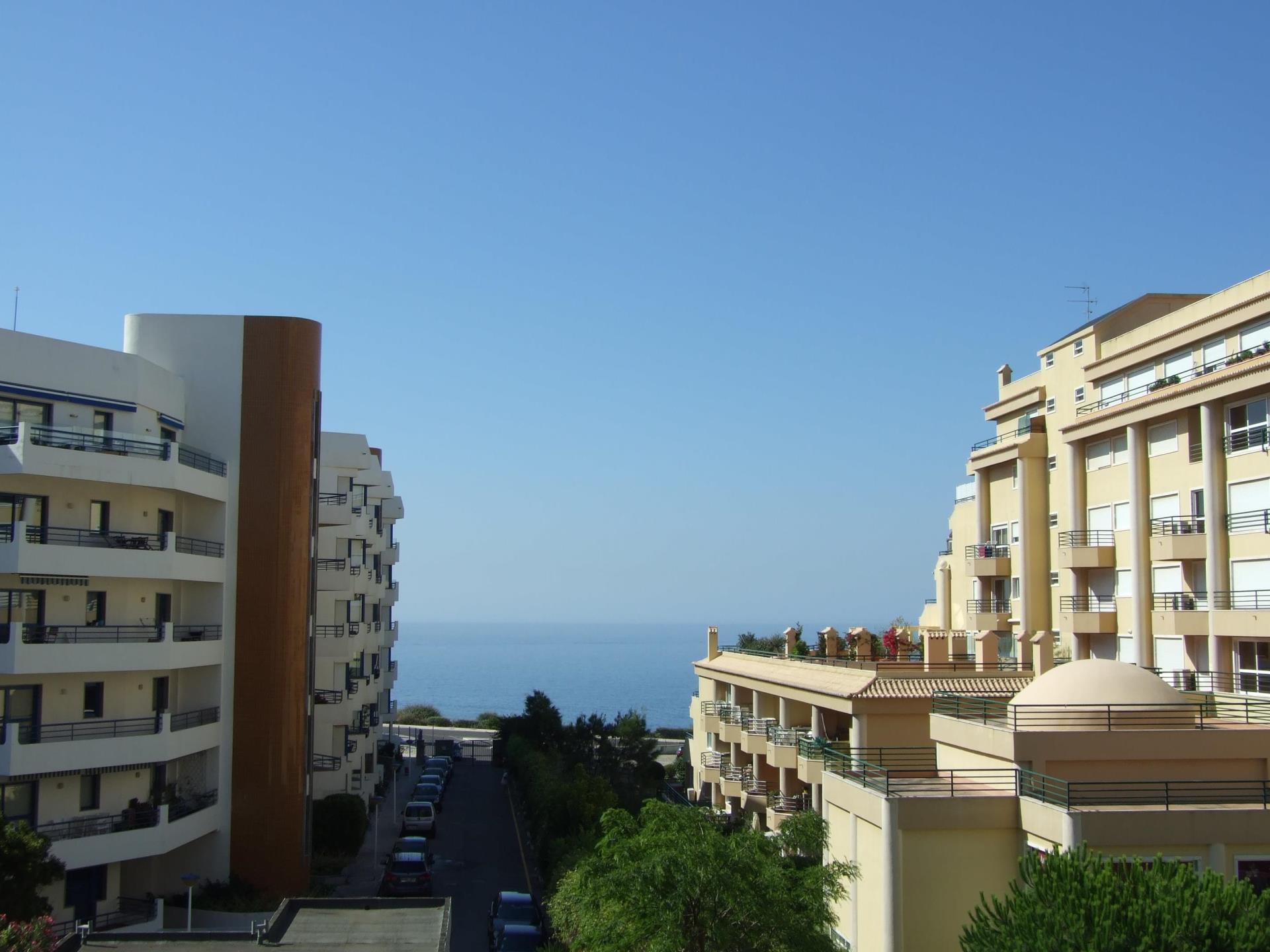 Căn hộ vì Bán tại Flat, 5 bedrooms, for Sale Cascais, Lisboa Bồ Đào Nha
