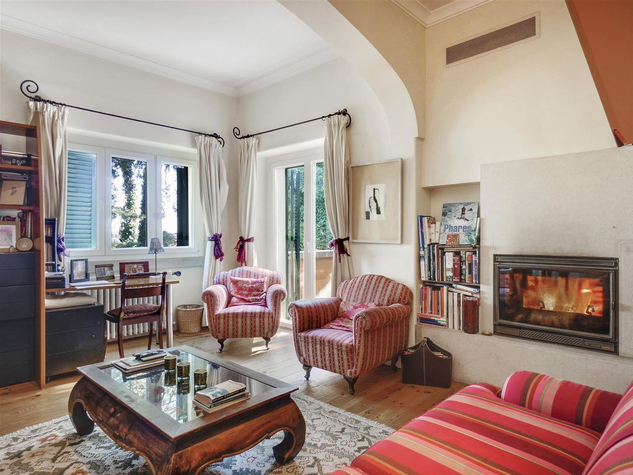 Villa per Vendita alle ore House, 5 bedrooms, for Sale Cascais, Lisbona Portogallo
