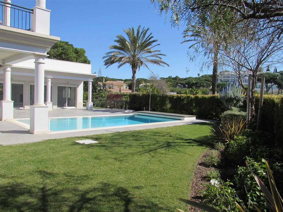 Vivienda unifamiliar por un Venta en Detached house, 4 bedrooms, for Sale Loule, Algarve Portugal