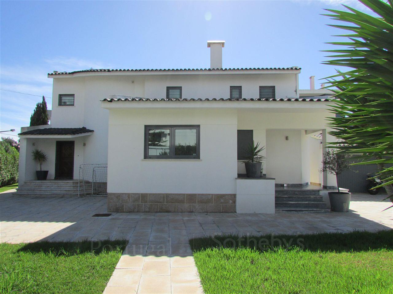 Tek Ailelik Ev için Satış at House, 5 bedrooms, for Sale Cascais, Lisboa, Portekiz