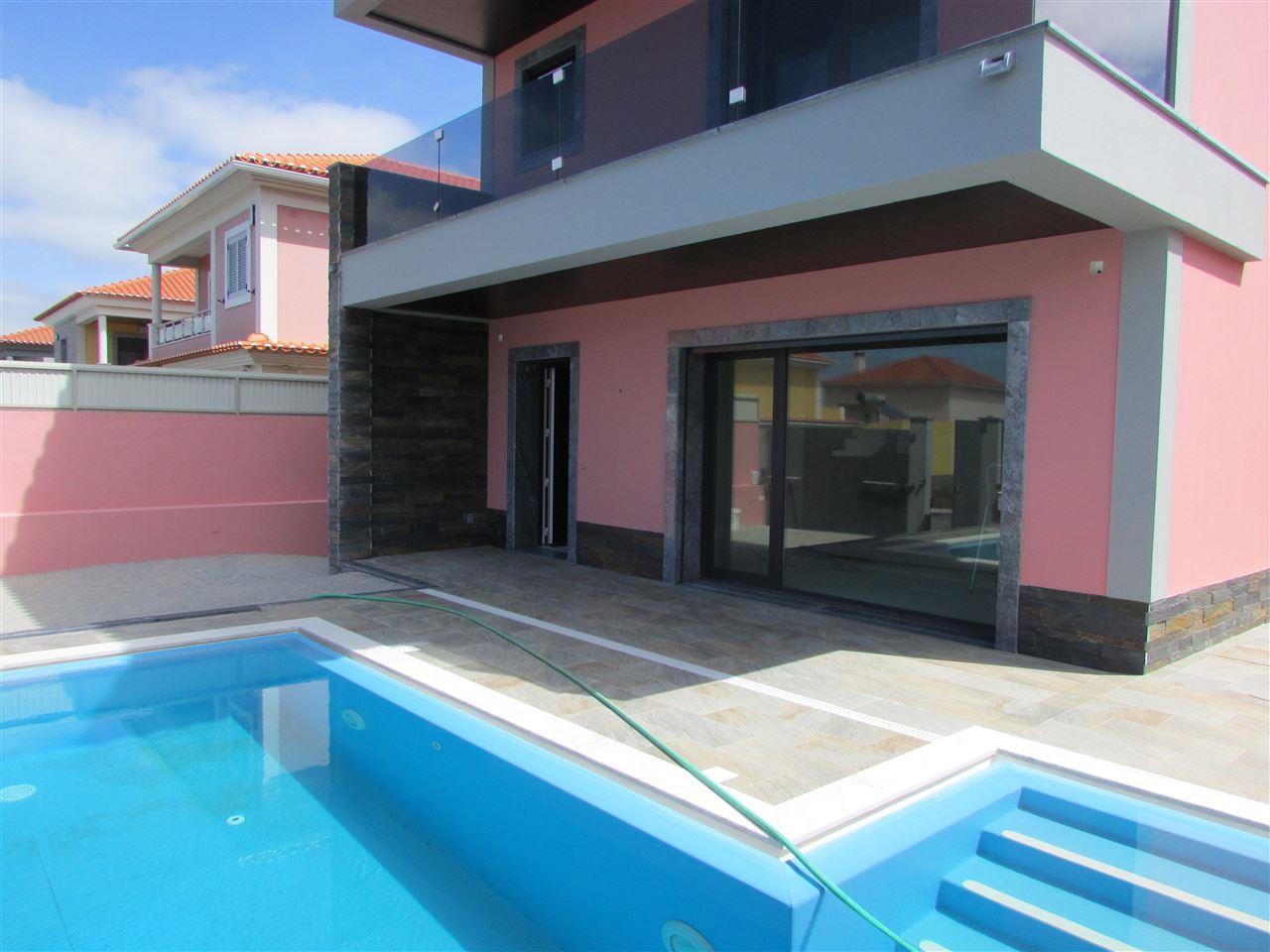 Vivienda unifamiliar por un Venta en House, 4 bedrooms, for Sale Cascais, Lisboa 2755-103 Portugal