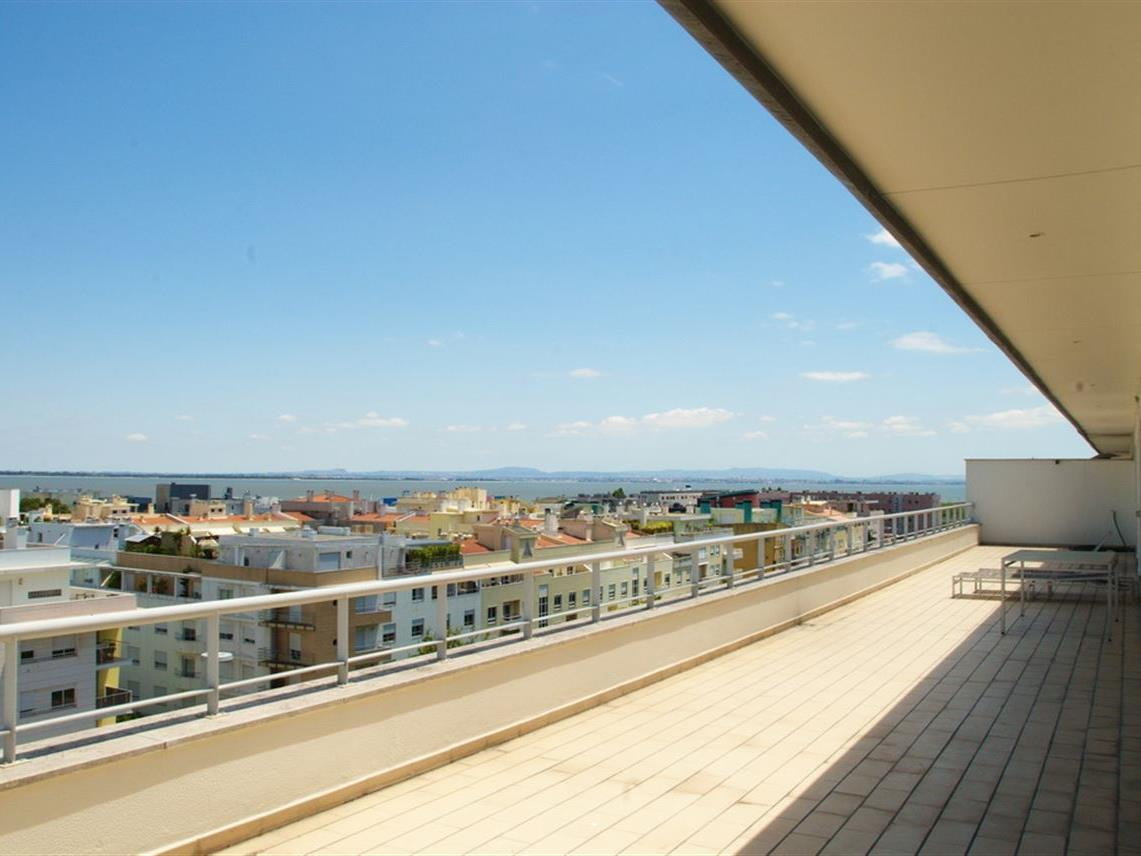 Căn hộ vì Bán tại Flat, 5 bedrooms, for Sale Lisboa, Lisboa Bồ Đào Nha
