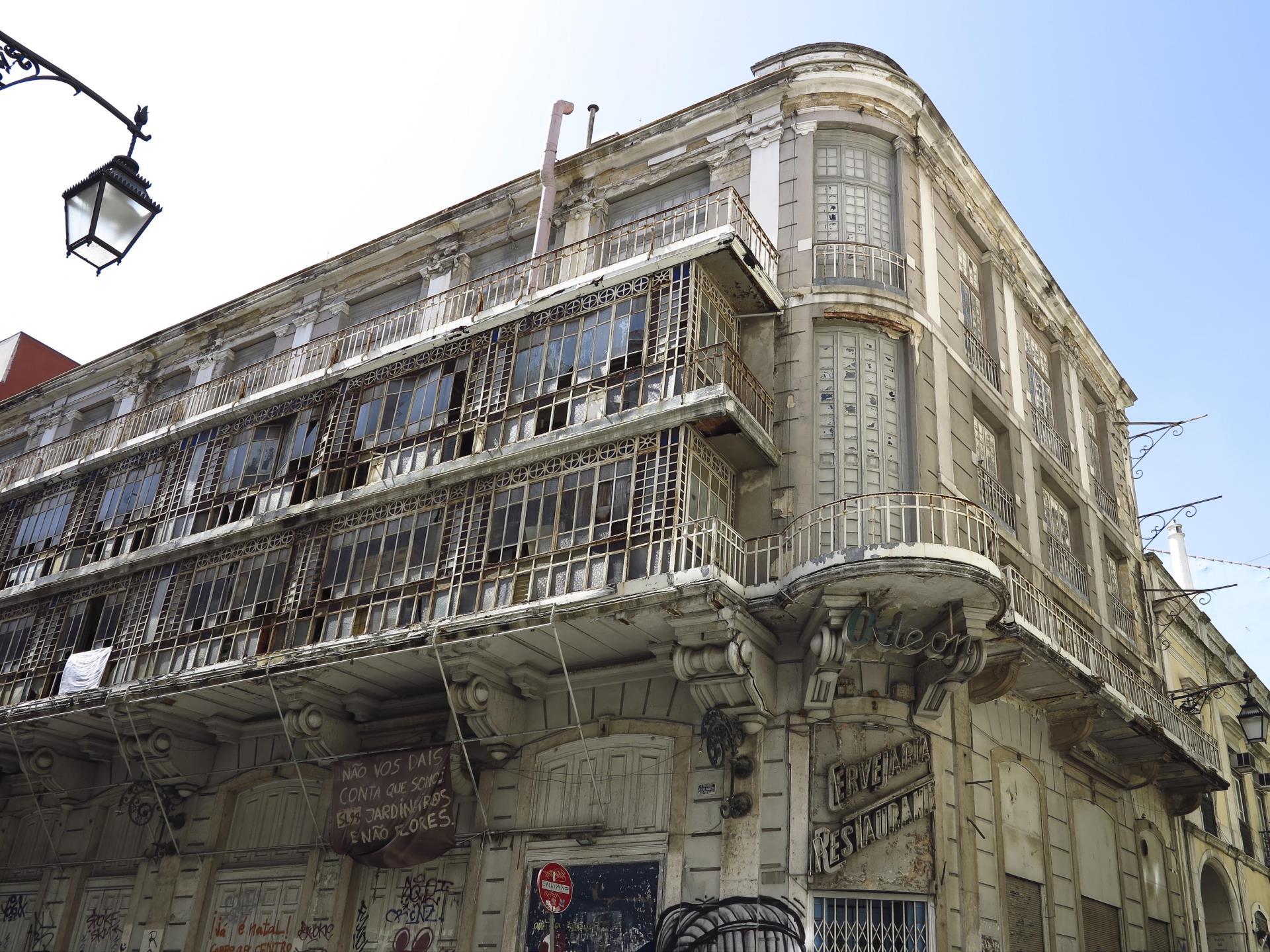 Moradia Multi-familiar para Venda às Building for Sale Lisboa, Lisboa Portugal