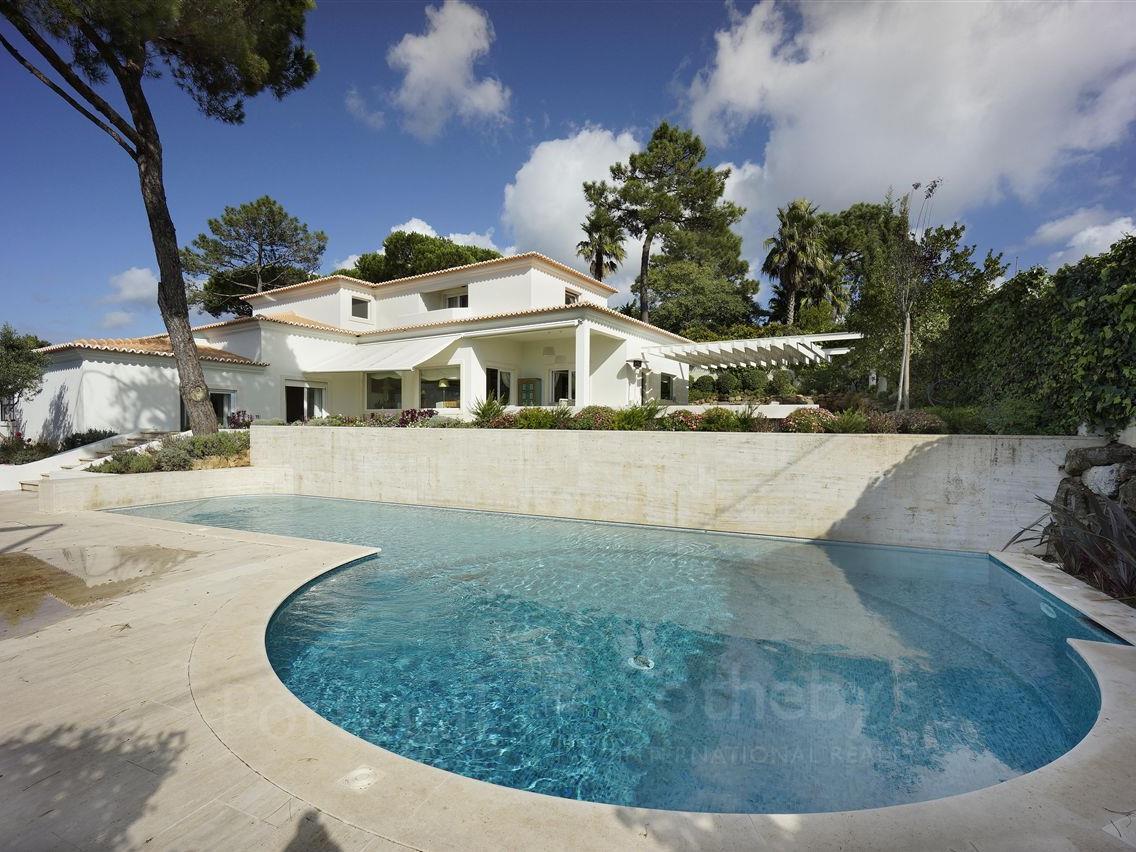 Villa per Vendita alle ore Detached house, 5 bedrooms, for Sale Cascais, Lisbona Portogallo