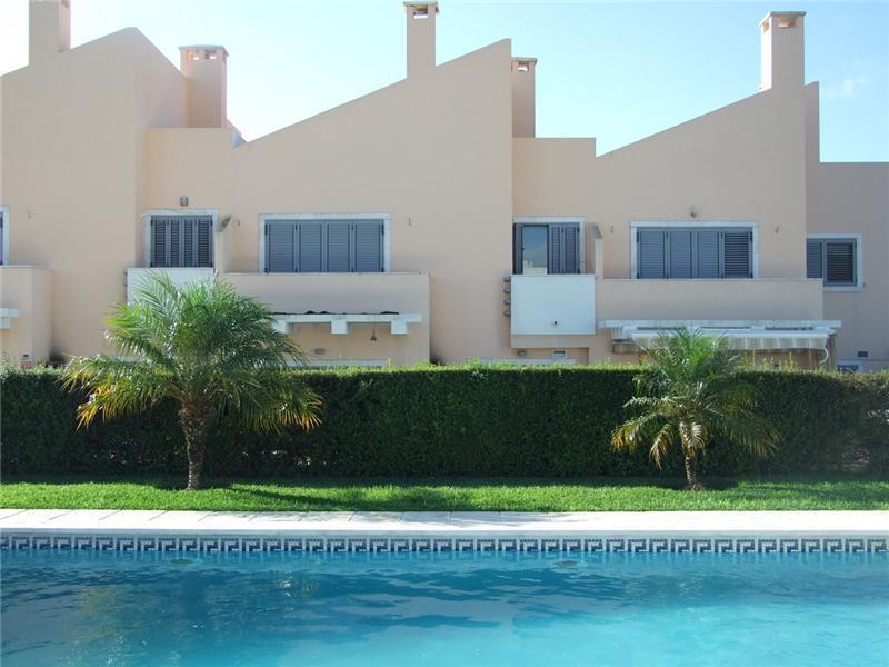 Einfamilienhaus für Verkauf beim House, 4 bedrooms, for Sale Parede, Cascais, Lissabon Portugal