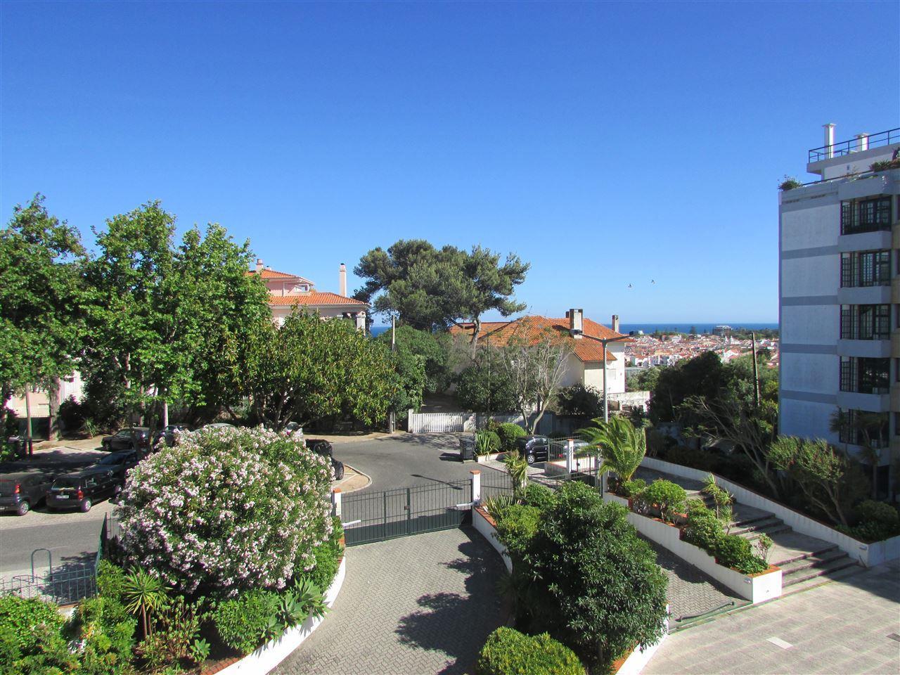 Appartement pour l Vente à Flat, 2 bedrooms, for Sale Cascais, Lisbonne Portugal