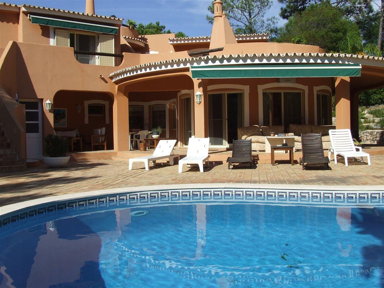 Vivienda unifamiliar por un Venta en Detached house, 4 bedrooms, for Sale Loule, Algarve 8135- Portugal