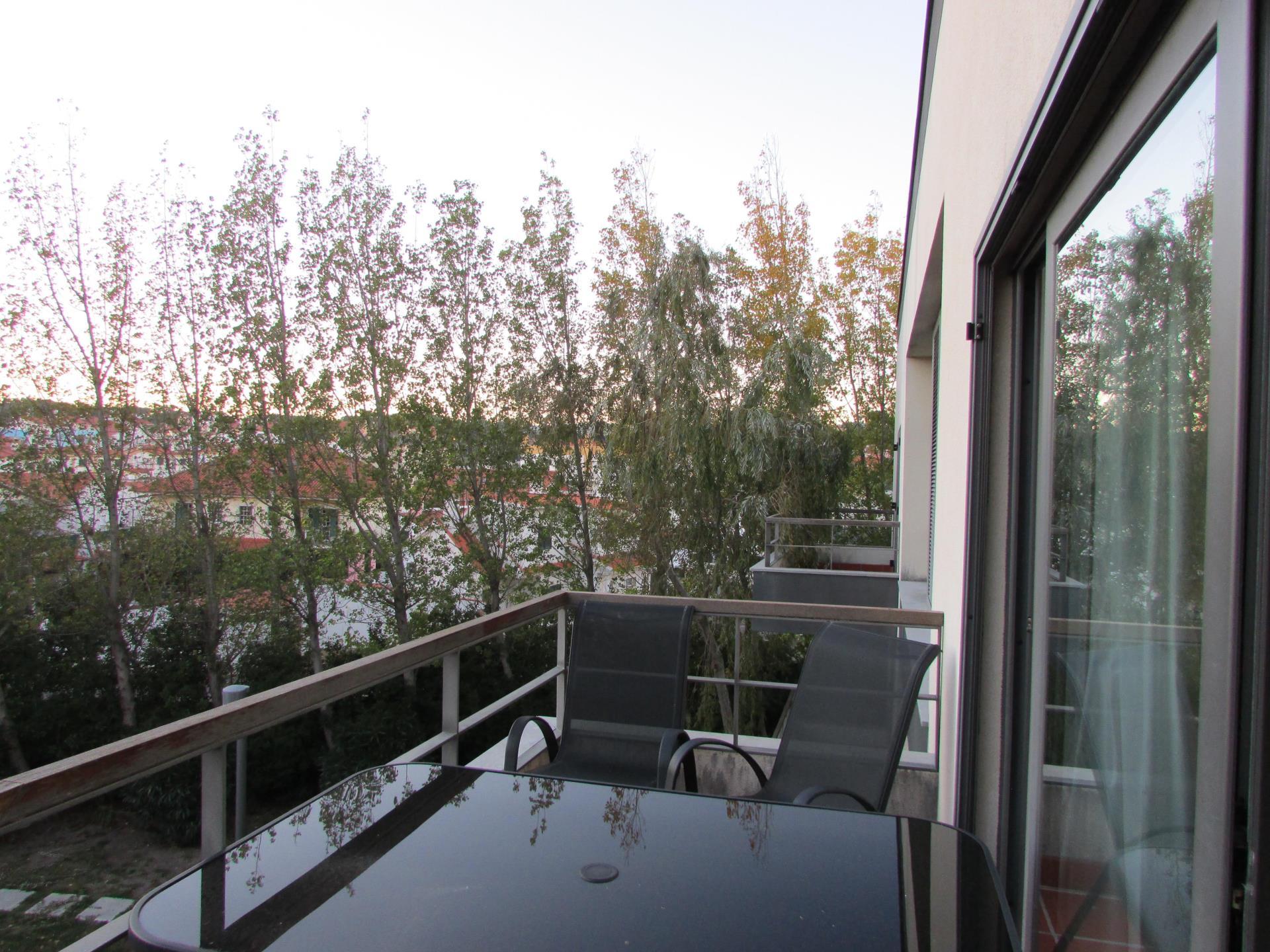 Apartamento por un Venta en Flat, 2 bedrooms, for Sale Cascais, Lisboa Portugal