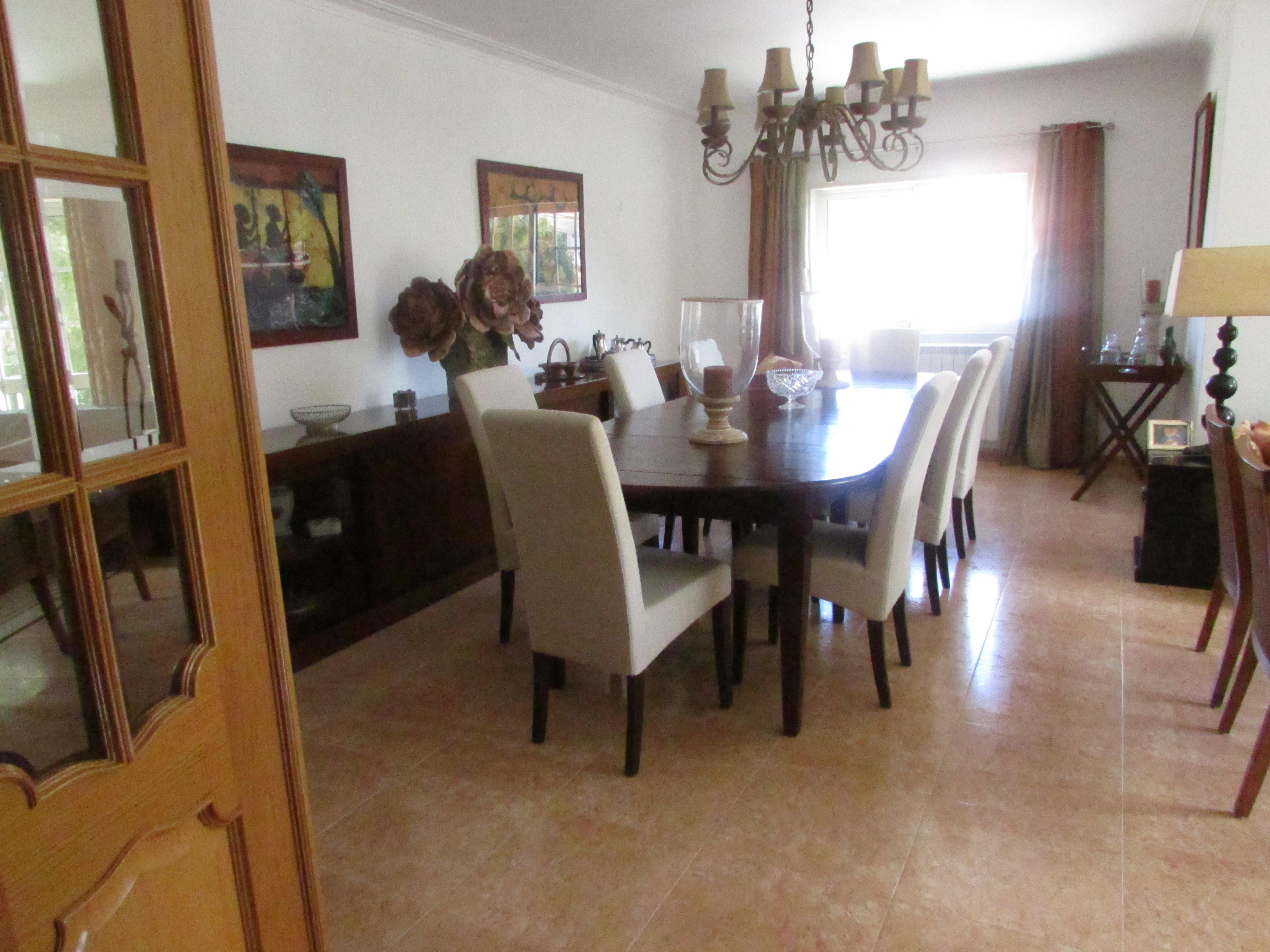 Villa per Vendita alle ore House, 3 bedrooms, for Sale Cascais, Lisbona, Portogallo