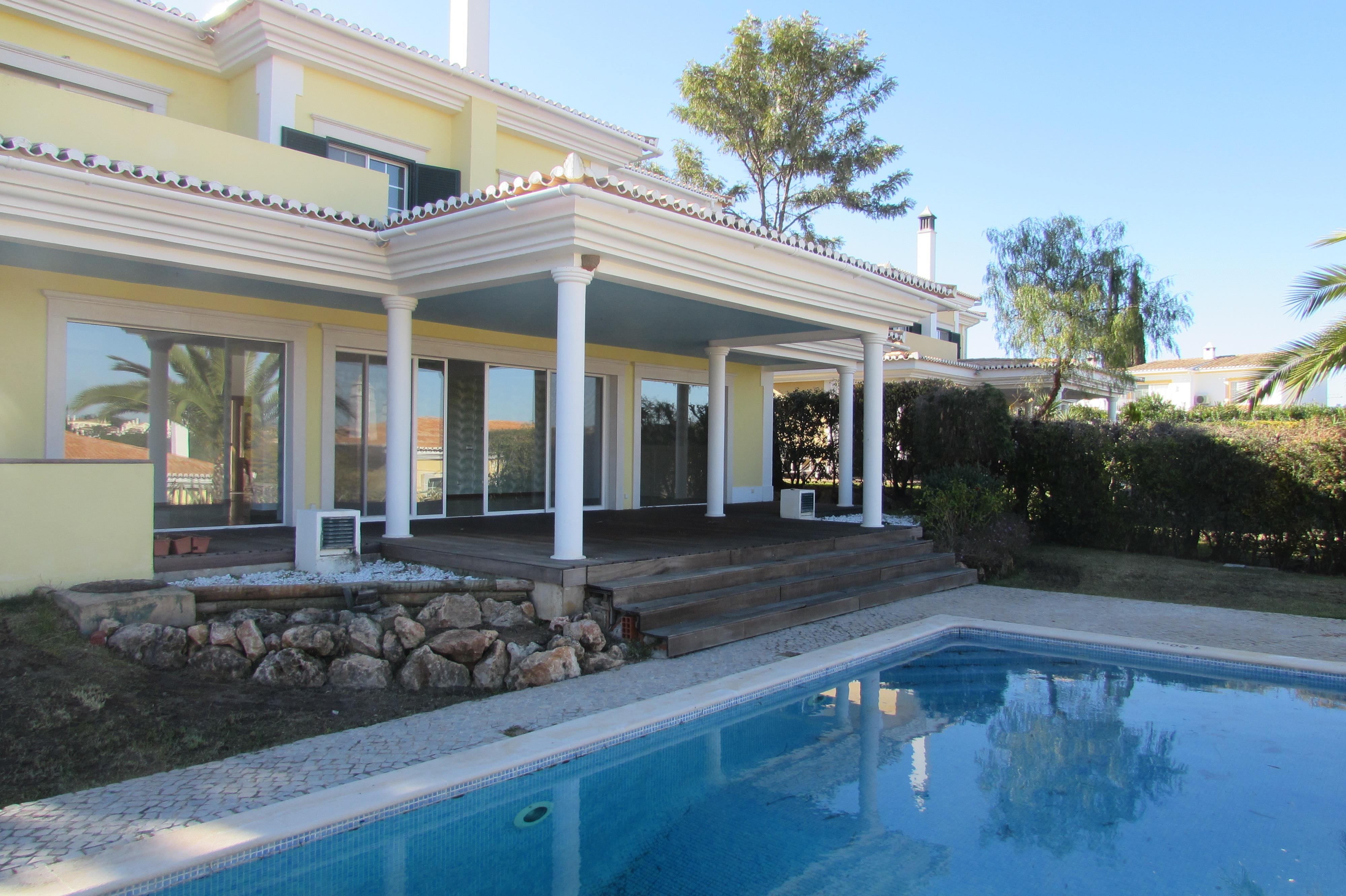 Single Family Home for Sale at Detached house, 4 bedrooms, for Sale Loule, Algarve, 8135-106 Portugal