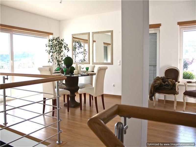 Maison unifamiliale pour l Vente à Terraced house, 5 bedrooms, for Sale Oeiras, Lisbonne Portugal