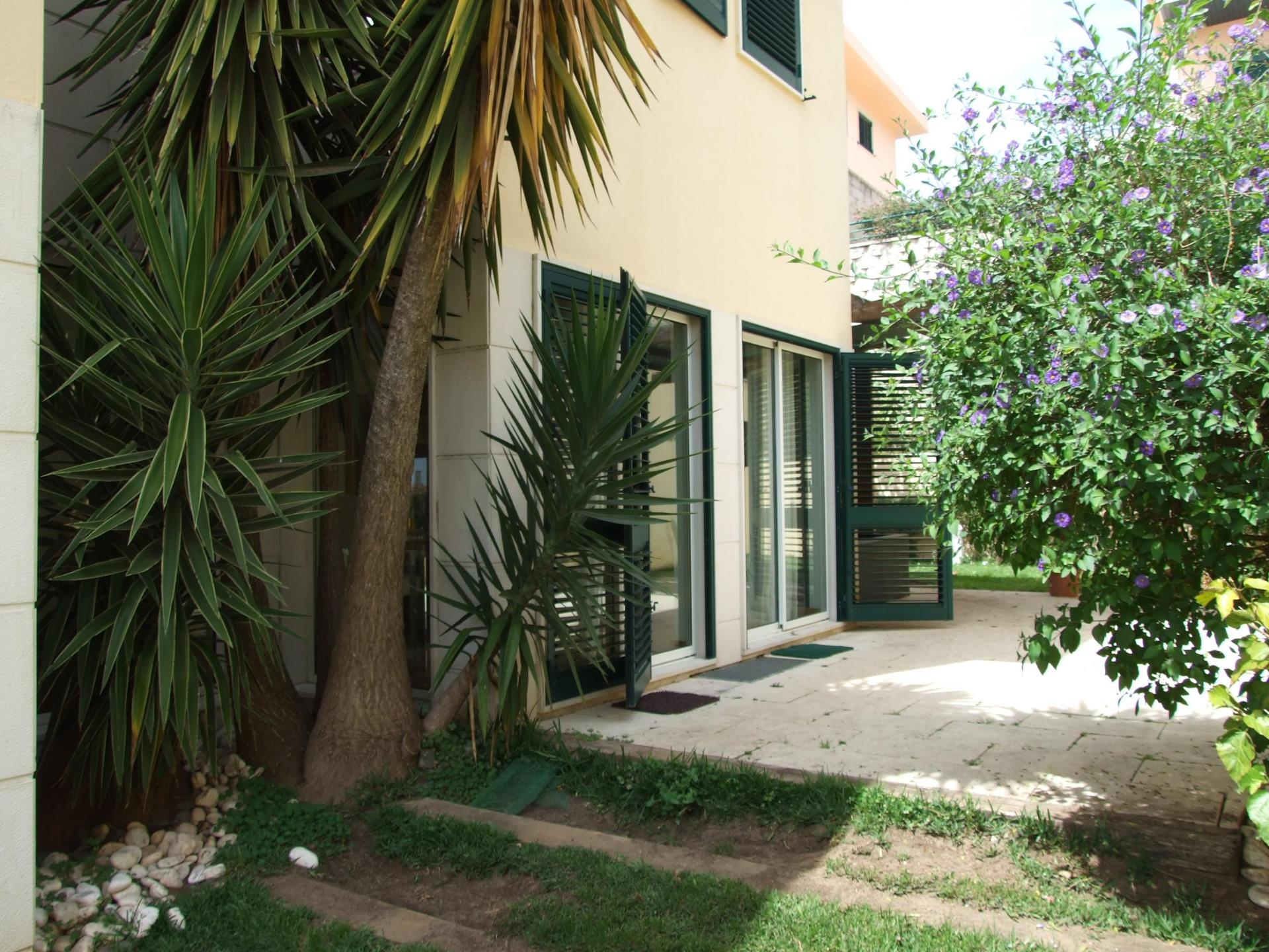 Casa Unifamiliar por un Venta en House, 5 bedrooms, for Sale Parede, Cascais, Lisboa Portugal