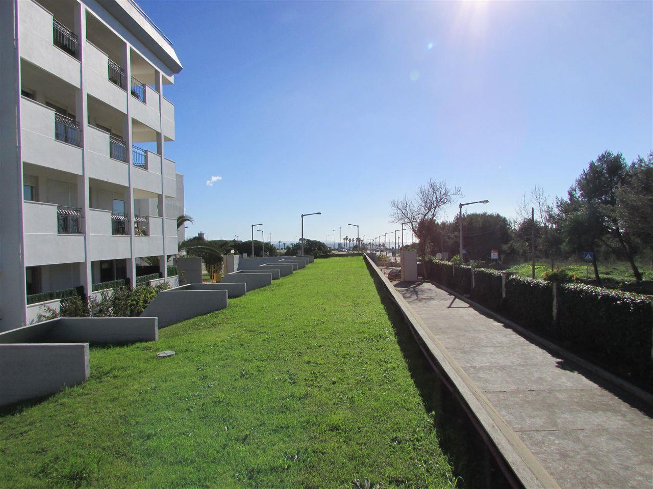 Apartamento por un Venta en Flat, 2 bedrooms, for Sale Carcavelos, Cascais, Lisboa Portugal