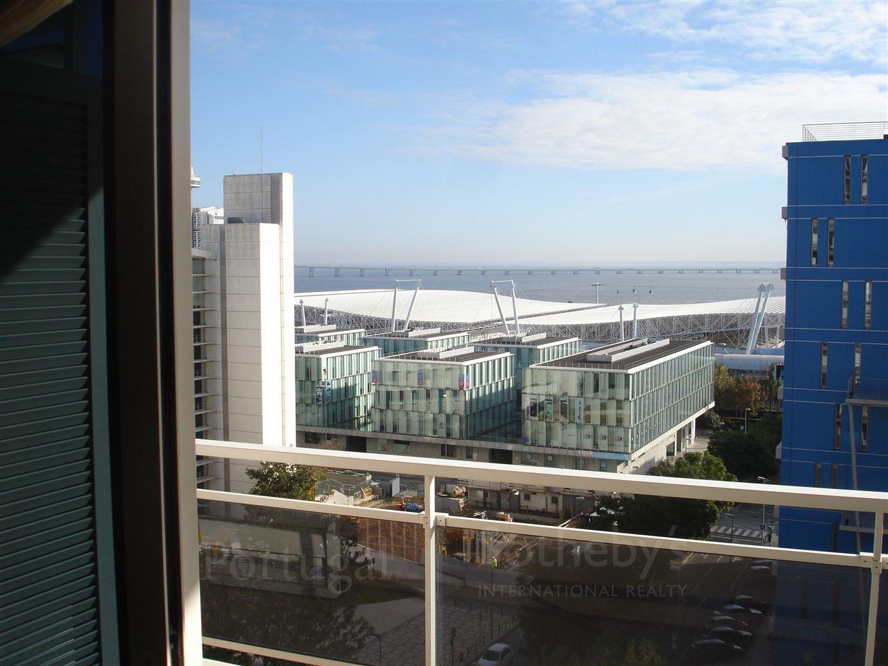 Apartamento para Venda às Flat, 2 bedrooms, for Sale Lisboa, Lisboa, 1990-057 Portugal