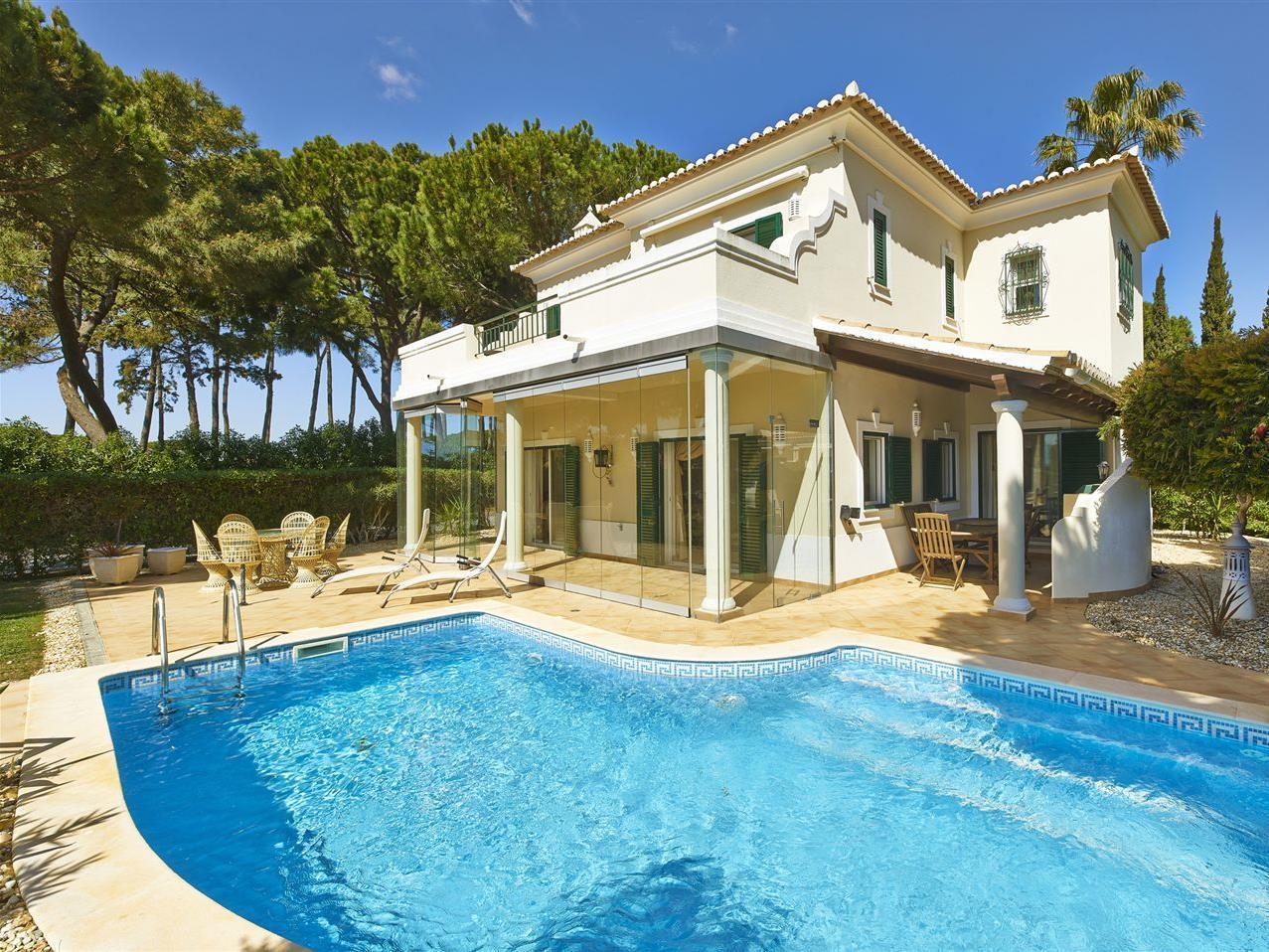 Nhà ở một gia đình vì Bán tại Detached house, 3 bedrooms, for Sale Loule, Algarve Bồ Đào Nha