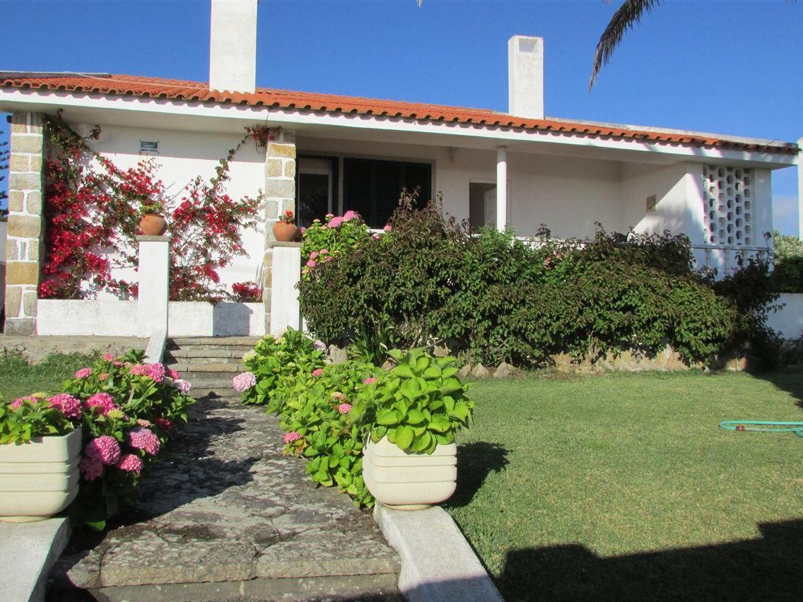 Casa para uma família para Venda às Detached house, 4 bedrooms, for Sale Sintra, Lisboa Portugal
