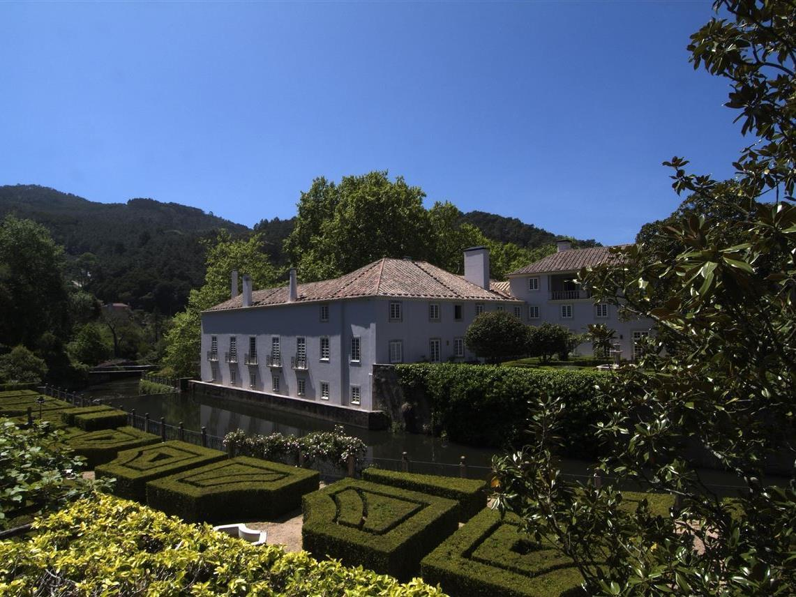 Fattoria / ranch / campagna per Vendita alle ore Farm, 18 bedrooms, for Sale Colares, Sintra, Lisbona Portogallo