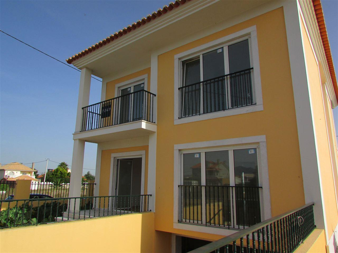 Maison unifamiliale pour l Vente à Detached house, 3 bedrooms, for Sale Cascais, Lisbonne, 2645-569 Portugal