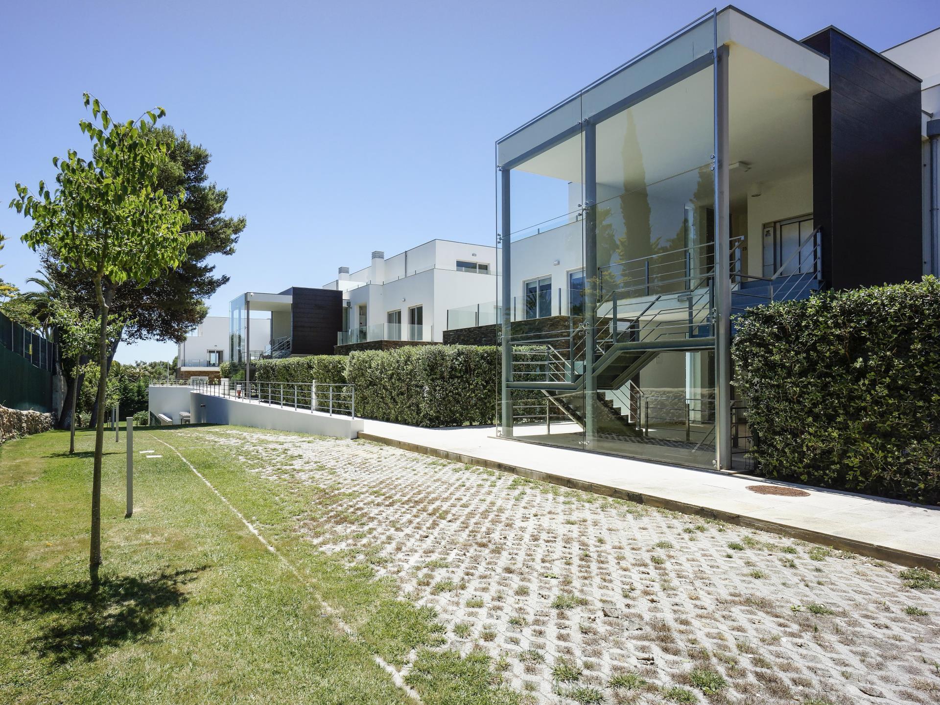 Apartamento por un Venta en Flat, 3 bedrooms, for Sale Bicuda, Cascais, Lisboa Portugal