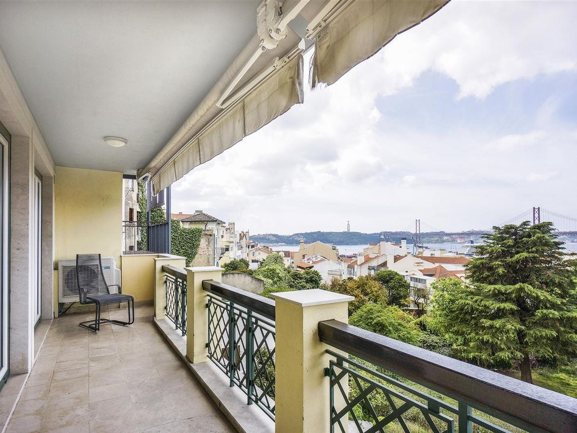 Apartment for Sale at Flat, 2 bedrooms, for Sale Lapa, Lisboa, Lisboa Portugal